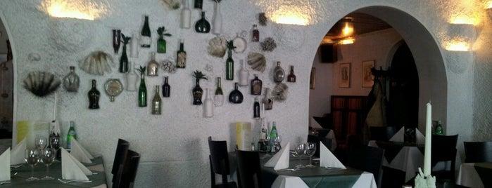 Restaurant Amigo is one of Lugares favoritos de Sean.