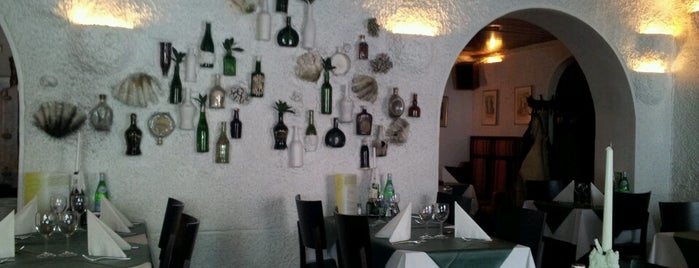 Restaurant Amigo is one of Sean : понравившиеся места.