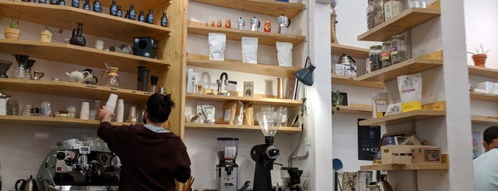 SlowMov is one of Barcelona coffee madness.