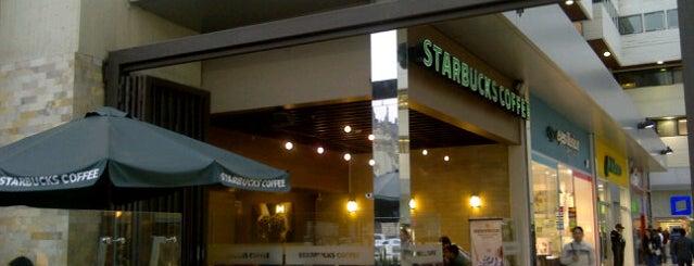 Starbucks is one of Posti che sono piaciuti a Hellen.