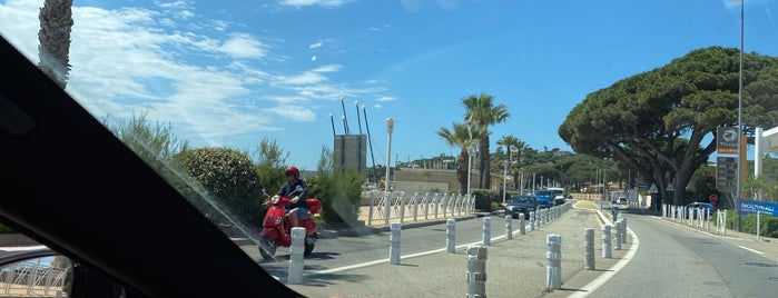 Sainte-Maxime is one of SV 님이 좋아한 장소.