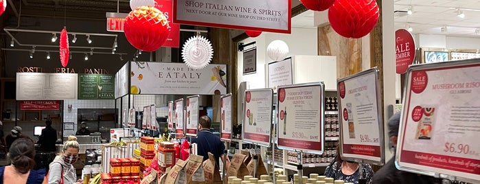 Eataly HQ is one of DINA4NYC.