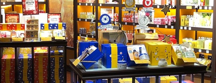L'Occitane en Provence is one of Foxxyさんのお気に入りスポット.
