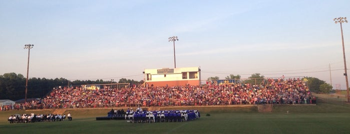 Beauregard High School is one of Daron'un Beğendiği Mekanlar.