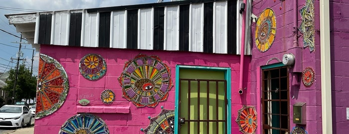 Bywater is one of New Orleans.