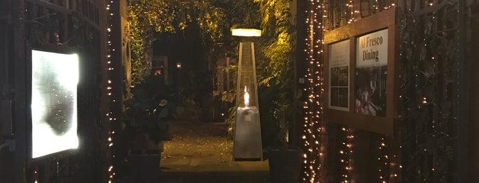 Marco Pierre White Courtyard is one of สถานที่ที่ Gabriel ถูกใจ.