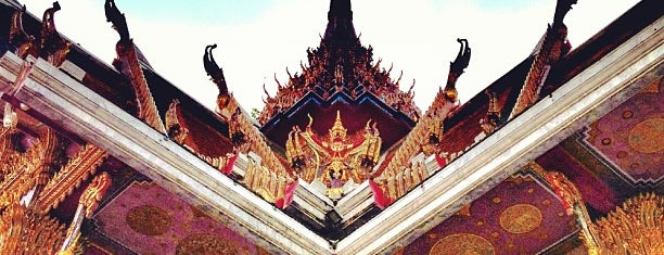 Wat Hua Lampong is one of •B a r e F o o t•.