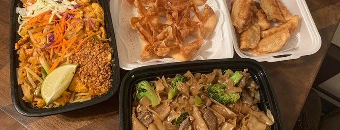 Tree House Thai Restaurant is one of LA Vegan.