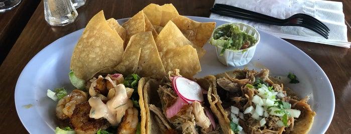 Benny's Tacos & Chicken Rotisserie is one of Tonei 님이 좋아한 장소.