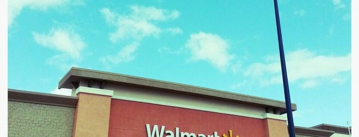 Walmart Supercenter is one of Posti che sono piaciuti a Larry.
