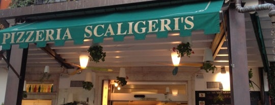 Pizzeria Scaligeri's is one of Bhavさんのお気に入りスポット.