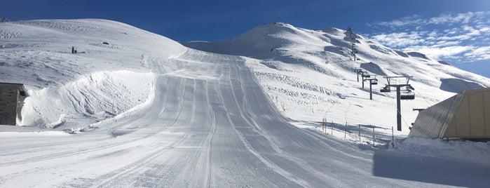 Val Val (1900 m) is one of SkiArena Andermatt Sedrun.