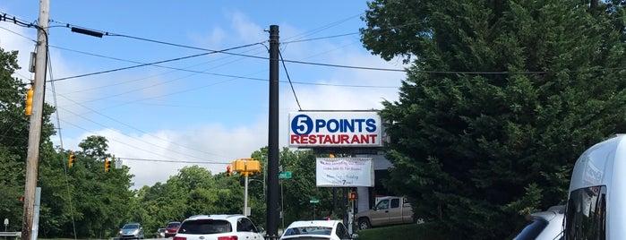 5 Points Restaurant is one of Tempat yang Disukai Tye.