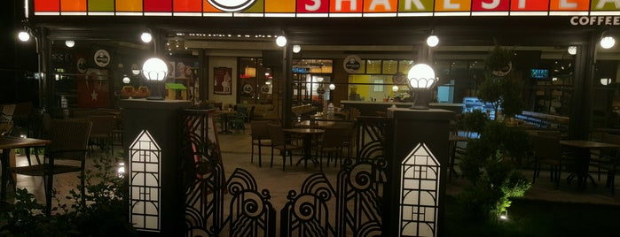 Shakespeare Coffee & Bistro is one of Cocuklu mekanlar.