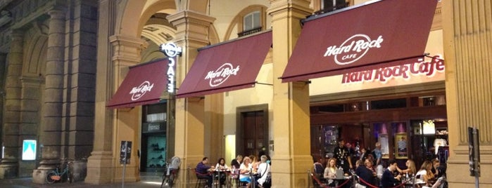 "Hard Rock Cafe Florence is one of ""Qu'ils mangent de la brioche!""."