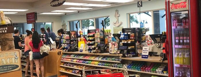 CVS pharmacy is one of Orte, die Bayana gefallen.