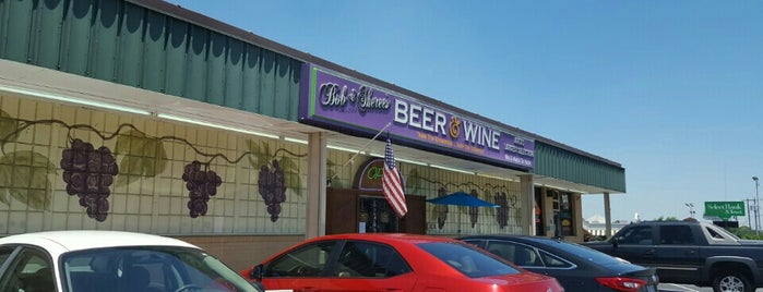 Bob & Sheree's Beer & Wine Shop is one of Crispinさんのお気に入りスポット.