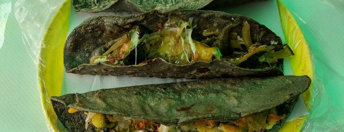 Quesadillas Doña Mary is one of Lugares favoritos de Valery.