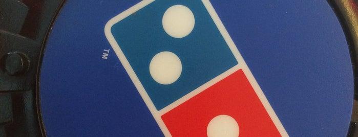 Domino's Pizza is one of Locais curtidos por Emmanuel.