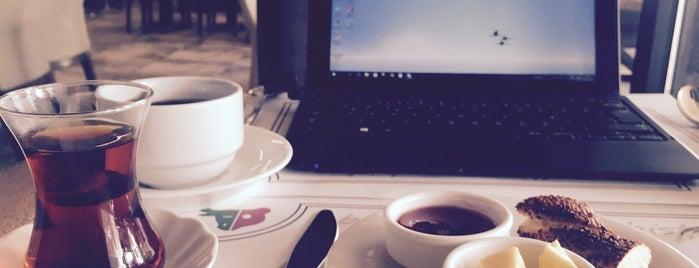Borsallino Cafe Bistro is one of Lugares favoritos de Taha Onder.