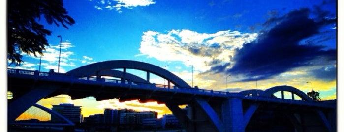 William Jolly Bridge is one of Lugares favoritos de Thiago.