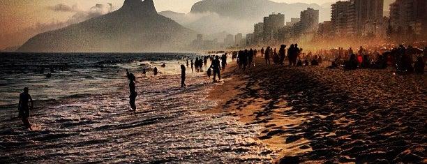Praia de Ipanema is one of RJ.