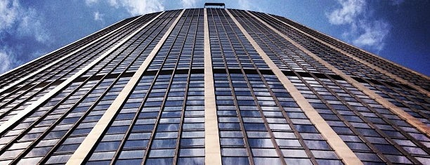 Tour Montparnasse is one of Orte, die Kevin gefallen.