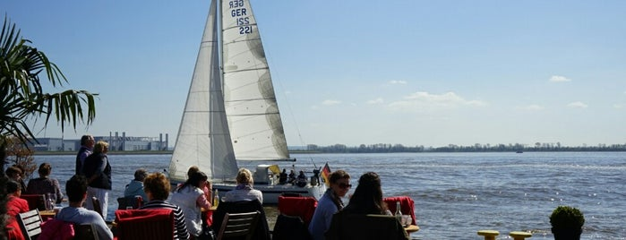 Ponton Op'n Bulln is one of Best of Hamburg.