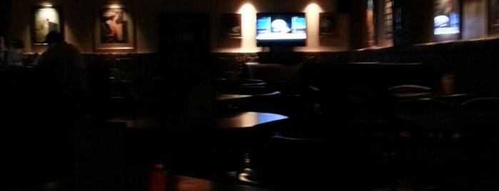 The Copper Lounge is one of Tempat yang Disukai Justin Eats.
