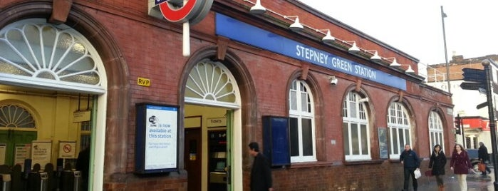 Stepney Green London Underground Station is one of Orte, die Paul gefallen.