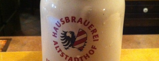 Hausbrauerei Altstadthof is one of Cerveseries.