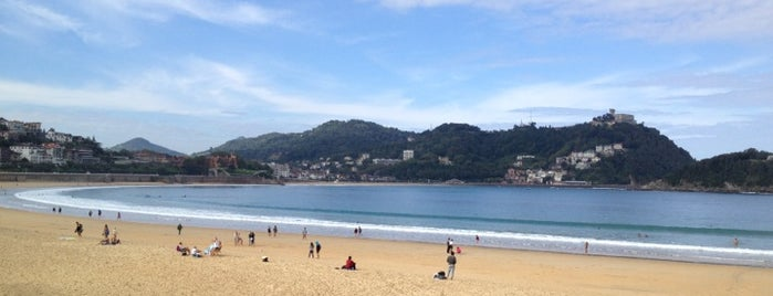 Playa de La Concha / Kontxa Hondartza is one of San Sebastian.