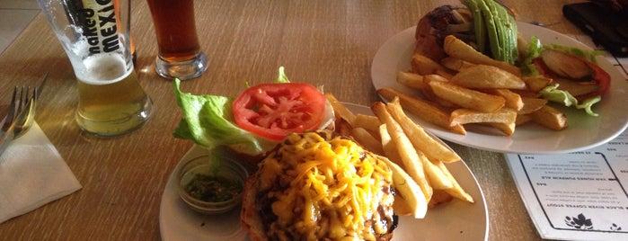 Craft Burger Bar is one of Gespeicherte Orte von Fatema.