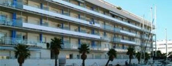 Port Canigo Apartamentos Roses is one of Lieux qui ont plu à iNastasia.