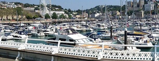 Pier Point is one of Locais salvos de Tina.