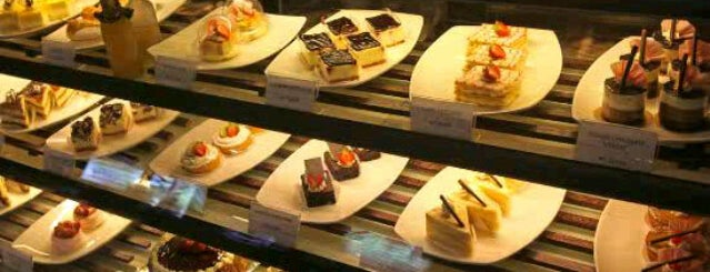 Chocolate Cafe Patisserie & Bakery is one of Restaurant.