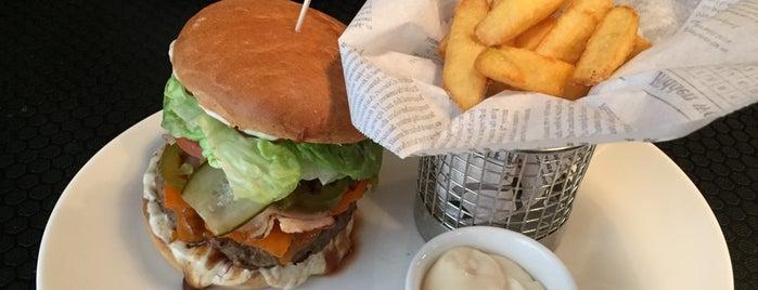 Burger Corner is one of Riga Foodie.