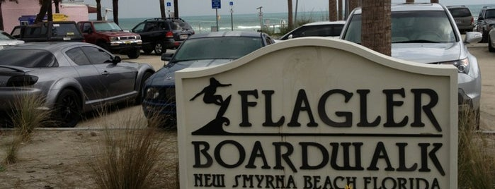 New Smyrna Beach Flagler Ave is one of Kris: сохраненные места.