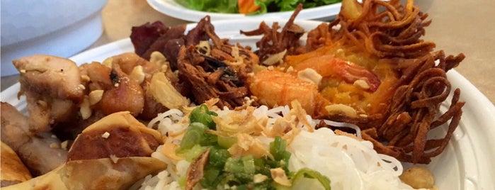 Saigon Cafe is one of Lugares favoritos de Patrick.