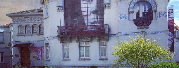 Casa-Museu Dr. Anastácio Gonçalves is one of Obras do arquiteto Norte Júnior em Lisboa.