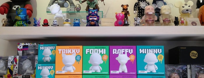 Yoyamart is one of Vinyl Figures and Toys.
