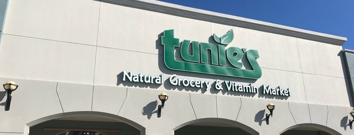 Tunie's is one of Tammy's Liked Places.