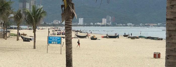 Phạm Văn Đồng Beach is one of Lieux qui ont plu à See Lok.