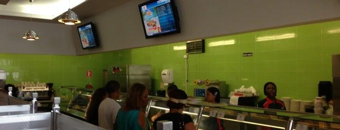 Niko's Café is one of Locais salvos de A.