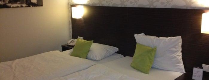 President Hotel is one of Orte, die Michael gefallen.