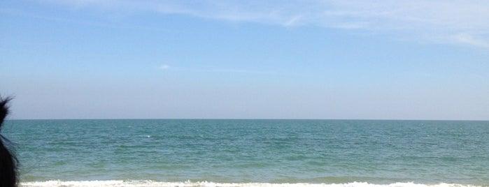 Cha-am Beach is one of เที่ยวทะลุ 20 ที่ในหัวหิน.