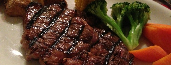 Jake's Charbroiled Steaks is one of Posti che sono piaciuti a Rahmat.