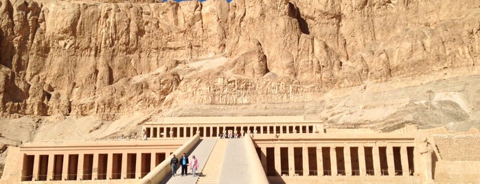 Mortuary Temple of Hatshepsut is one of Orte, die Volker gefallen.