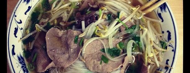 Pho Ha Restaurant is one of Lieux sauvegardés par Chang.
