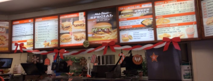 Whataburger is one of Tempat yang Disukai ESTHER.